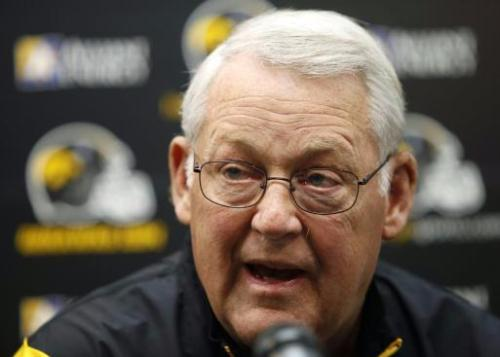 Iowa defensive coordinator Norm Parker said the Hawkeyes are looking at a committee approach at defensive tackle during a Tuesday news conference. ((AP Photo/Charlie Neibergall)